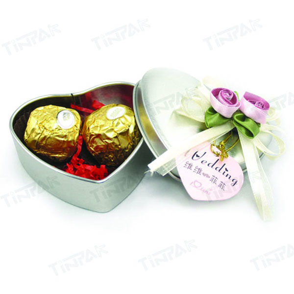 small heart tin for chocolate packaging