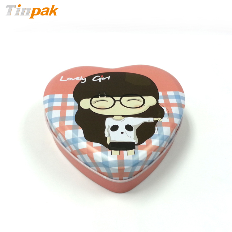 Lovely heart shaped candy tin